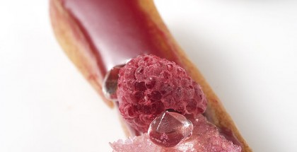 Raspberry éclair with rose perfume