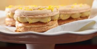 Banana Pudding Macaron Donut