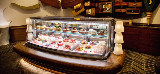 Fantasy Director, Susumu Koyama's magical decoration cake shop