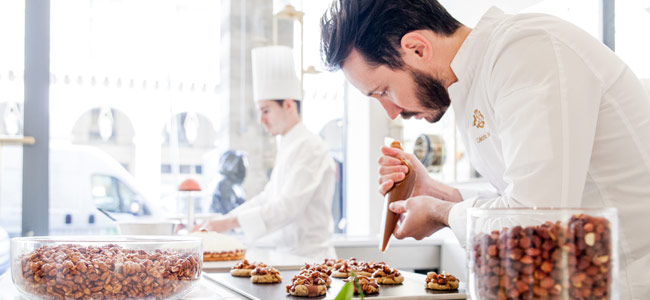 The pastry shop Le Meurice Cédric Grolet opens its doors