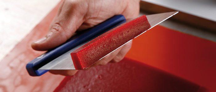 Gellan gum applied to heat-resistant gelatins in bakery