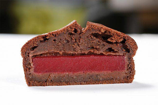 Chocolat financier with a heat-resistant raspberry jelly