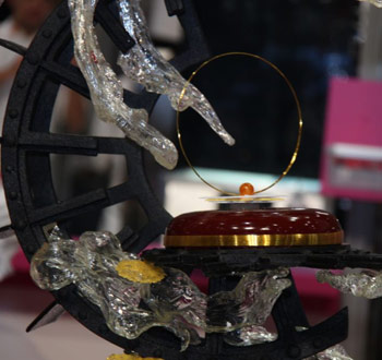 Spain sugar piece with chocolate entremet