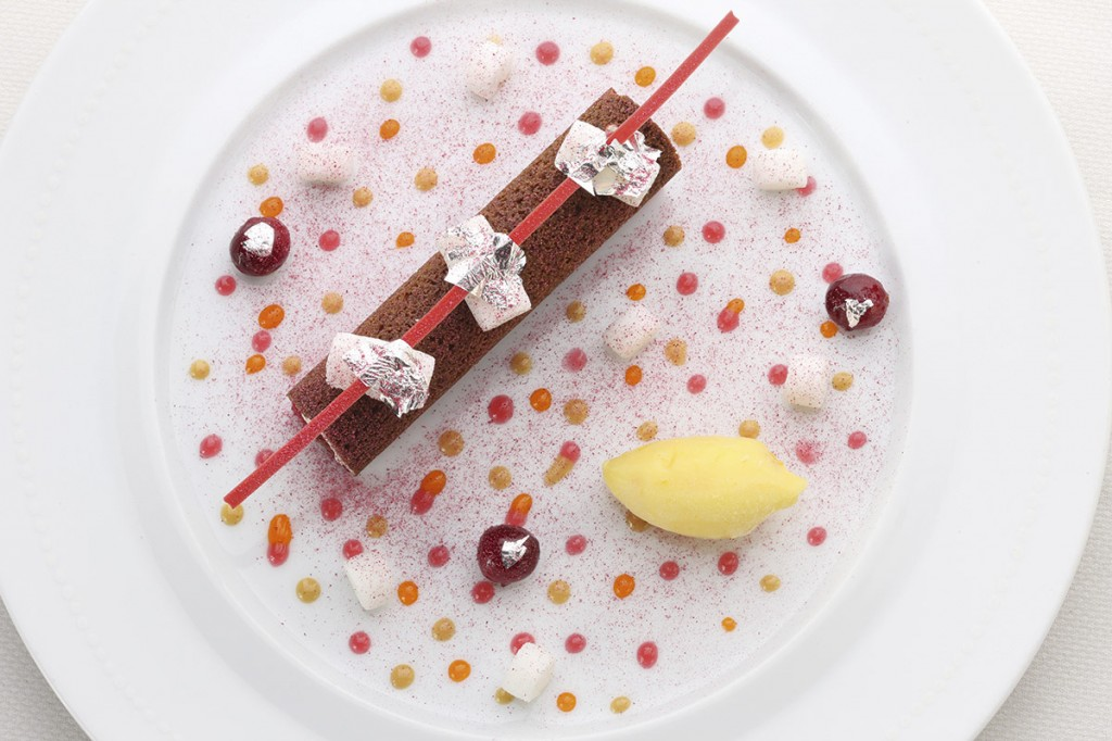 Cranberry, Mascarpone, Speculoos, Orange. Eric Bertoia plated dessert.