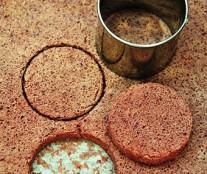 Cassis biscuit, in the recipe of Gregoire Michaud