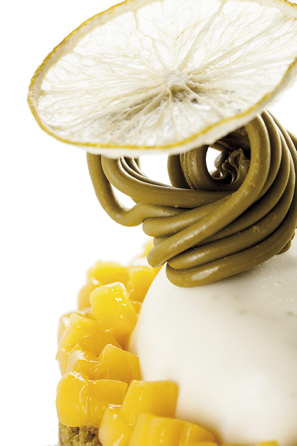 Lime and pistachio tartelette