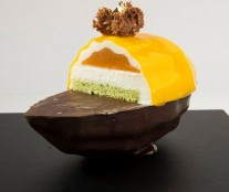 Mango by Oriol Balaguer