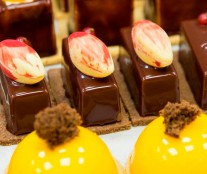 Petits fours by Oriol Balaguer
