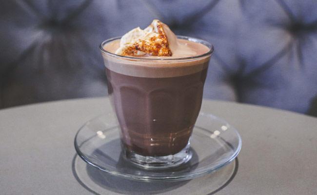 hot chocolate by Mah Ze Dar