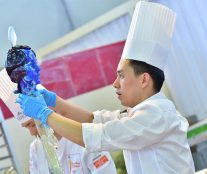 a candidate to China Pastry Cup