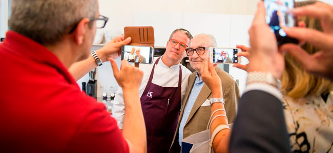 The pastry shop Ernst Knam celebrates its 25th anniversary with new entries