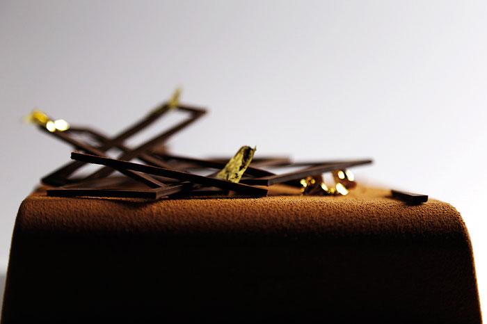 tart chocolate and gold by Frédéric Bau