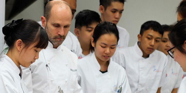 Nineteen international pastry chefs have participated in the Asia Pastry Forum 2018