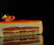 Catalonia cake cut