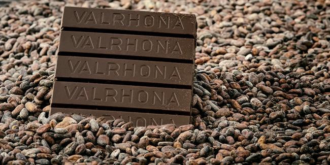 Valrhona Sakanti 68%, Grand Cru dark chocolate from Bali