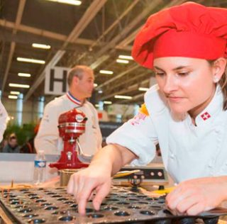 A new trophy by Vincent Guerlais and ambitious bakery competitions at Serbotel