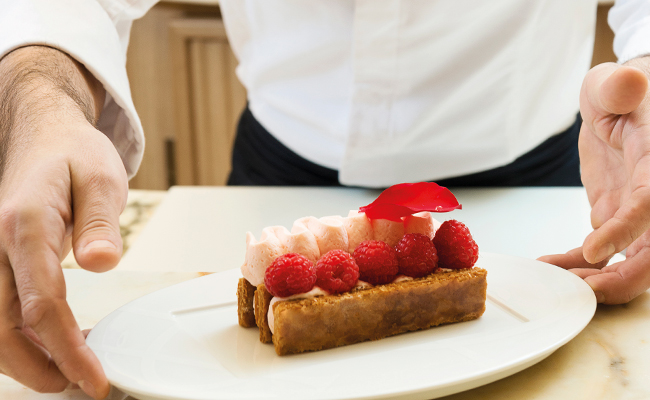 Millefeuille minute Ispahan by Pierre Hermé