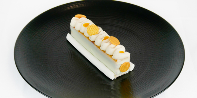Finger mango with litchi and white chocolate mousse by Michaël Perrichon