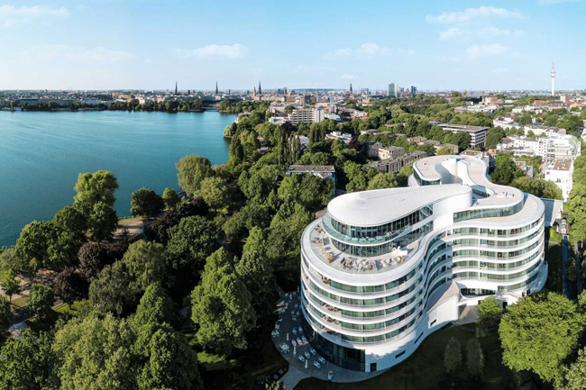 Aerial view of the Hotel Fontenay in Hamburg