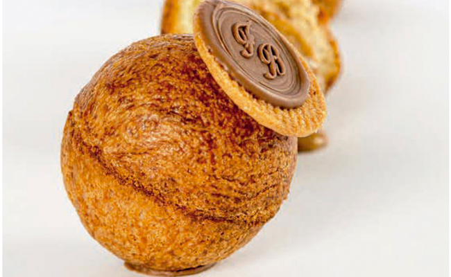 Spherical choux by Francisco Broccolo
