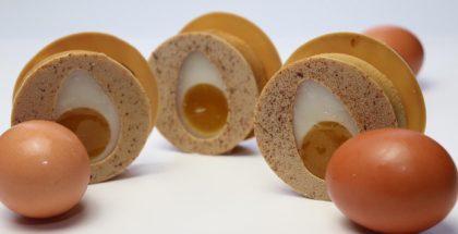 Eggs by Carles Mampel