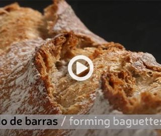 Forming loaves of bread and rounds. Joaquín Llarás 'True Bread' videos (1 of 6)