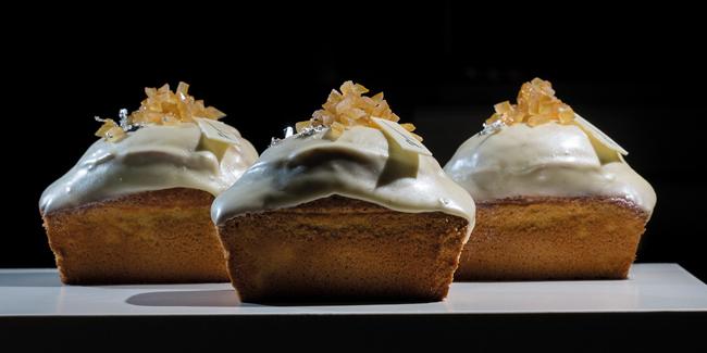 Vanilla Plum cake by Paco Torreblanca