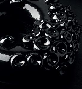Black ring by Gustavo Sáez