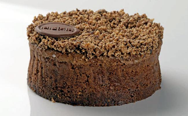 Cake by Alberto Barrero