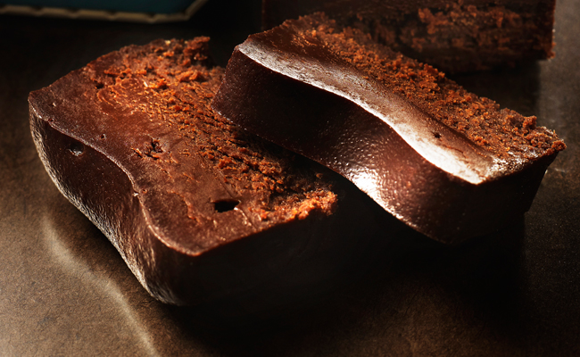 Hekkonda chocolate pot by Susumu Koyama
