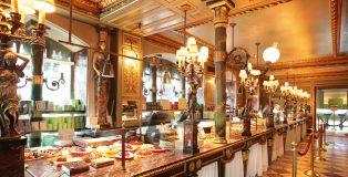 Inside la Maison Ladurée