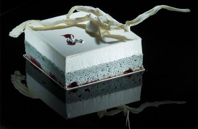 Black corn sponge cake by Paco Torreblanca