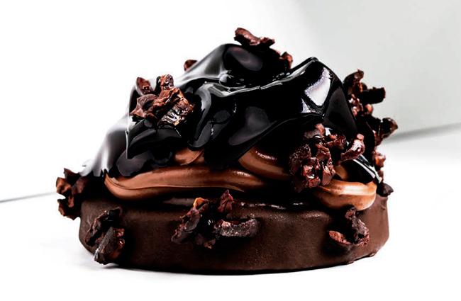 Vegan chocolate cake by Patryk Szczepański