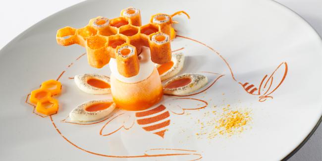 Suspended honeycomb, the Italian CMP winning team's restaurant dessert
